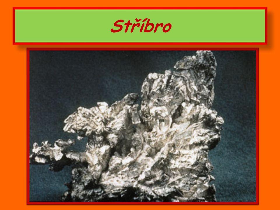 Dobývání a využití zlata žlutý nerost v přírodě vzácný hlubinné doly – zlatonosné žíly rýžování zlata v zlatonosných řekách každý stát – státní poklad ve zlatých cihlách žlutý nerost v přírodě vzácný hlubinné doly – zlatonosné žíly rýžování zlata v zlatonosných řekách každý stát – státní poklad ve zlatých cihlách