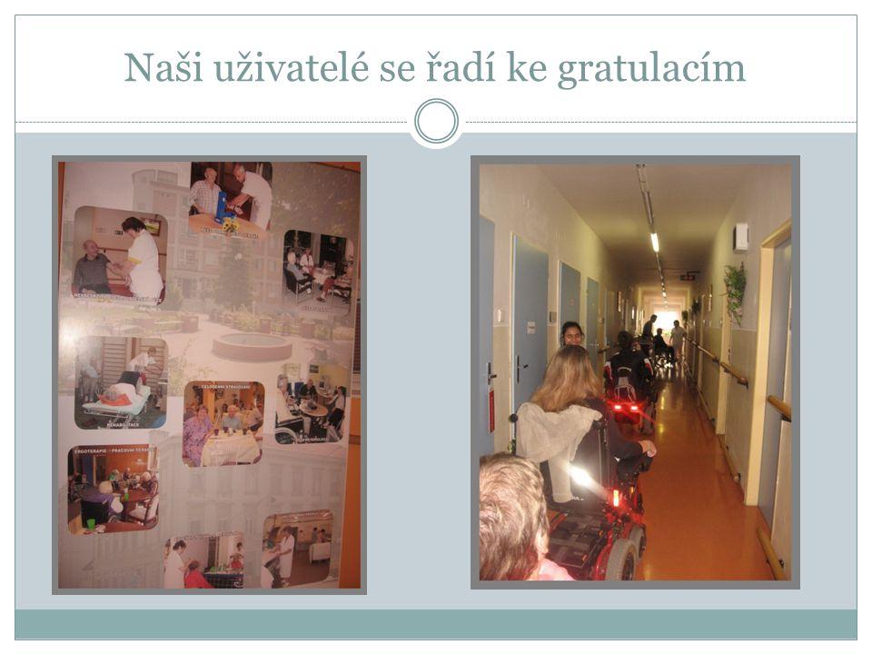 Domov pro seniory Kociánka a naše návštěva žen jménem Věra, s obrázky a cukrovím