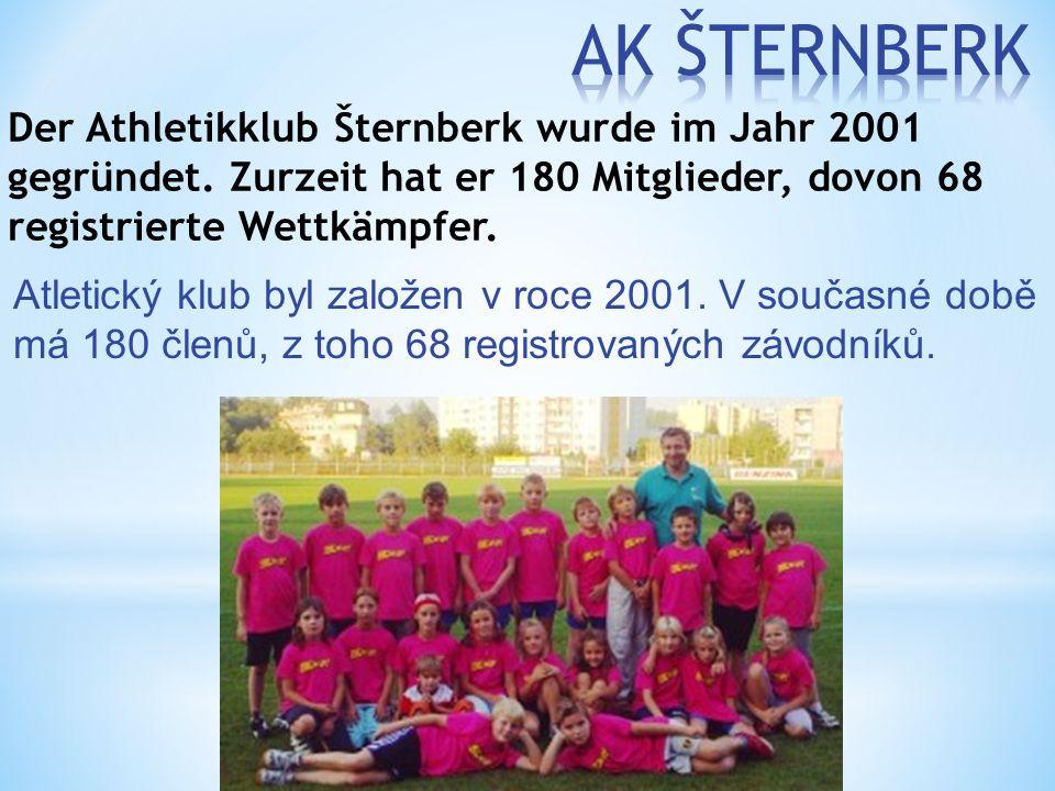 Atletický klub byl založen v roce 2001. V současné době má 180 členů, z toho 68 registrovaných závodníků. Der Athletikklub Šternberk wurde im Jahr 200