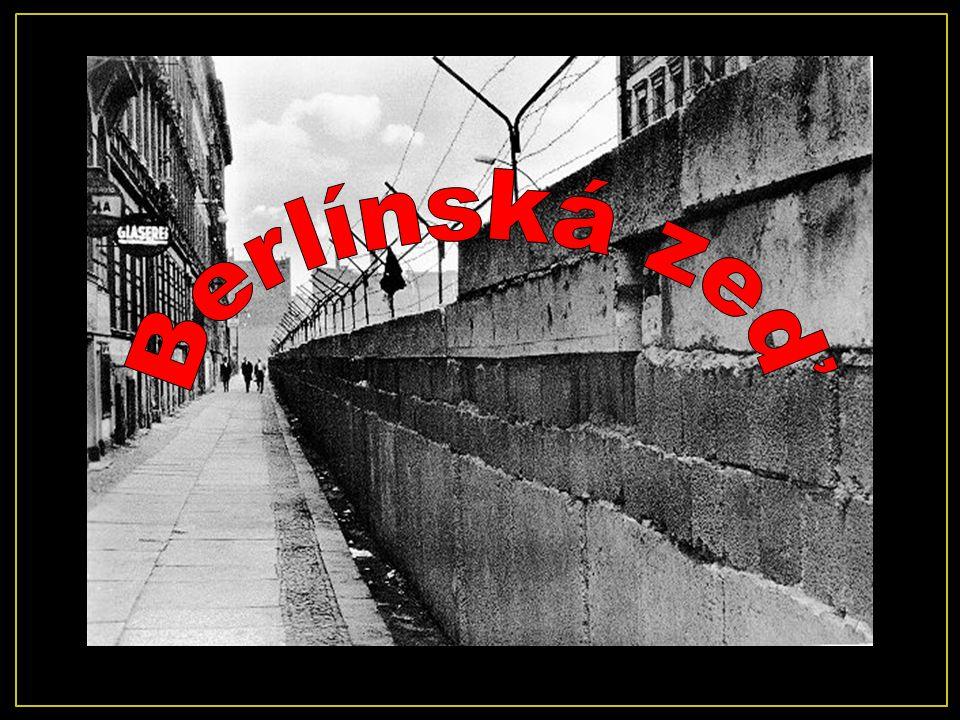 Pád Berlínské zdi vedl ke sjednocení Východního a Západního Německa v jednotný stát 1990.