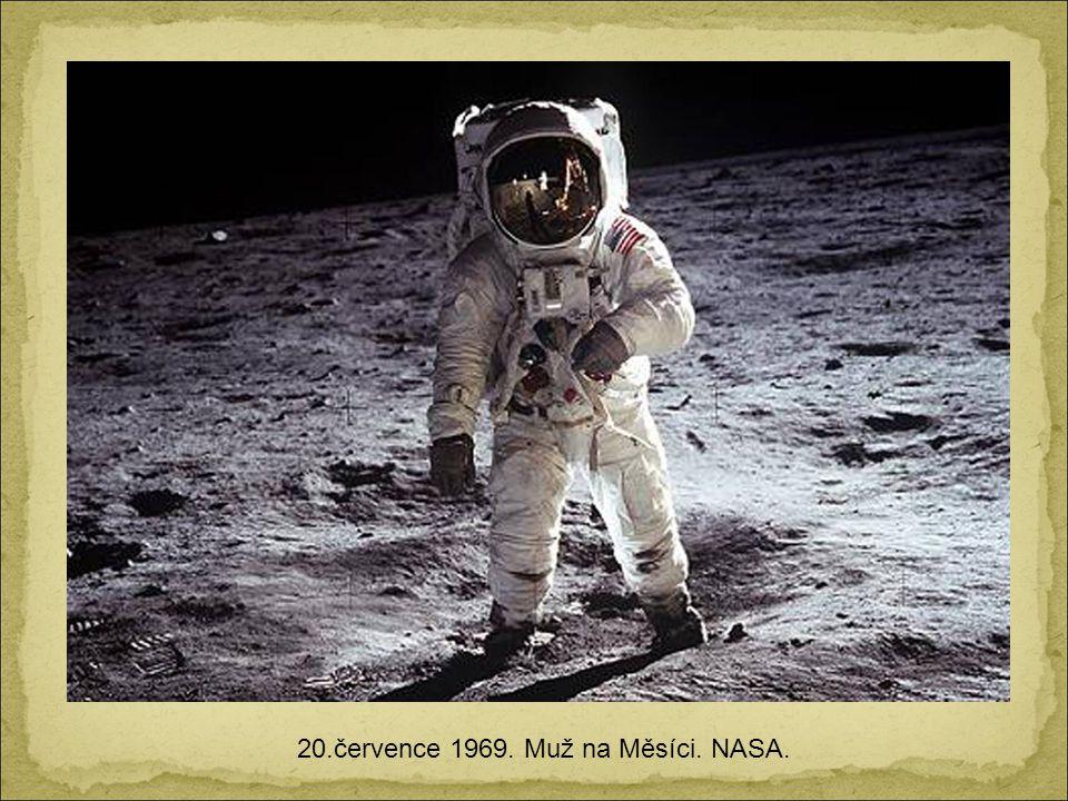 24.prosince 1968. První obrázek Země nad měsíčním horizontem. Získáno z Apollo 8.
