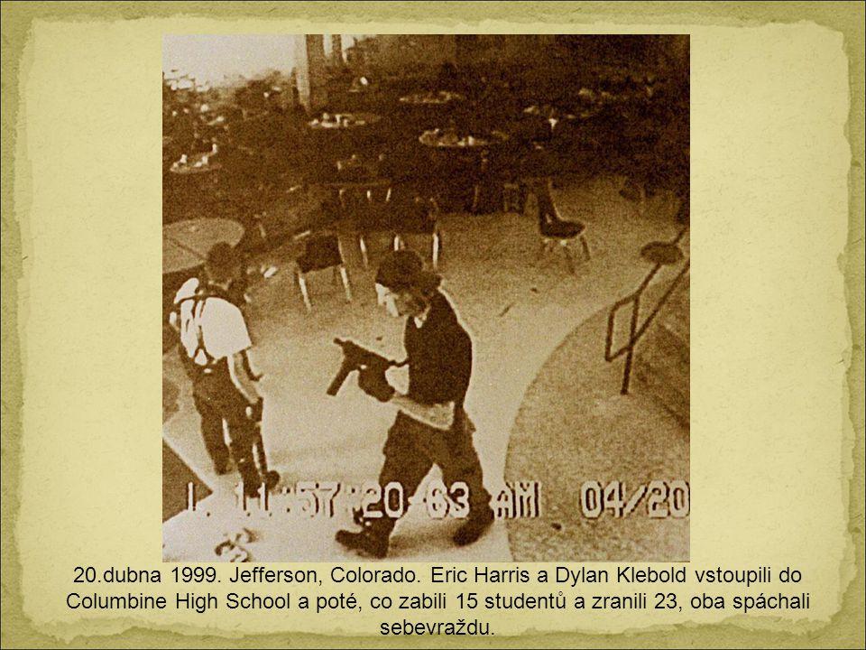 2. června 1998. Jižní Dakota. Ještě nedokončená se odhaluje pro veřejnost kolosální socha Šíleného Koně, náčelníka Siouxů, který porazil a zabil gener