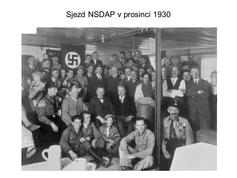 Hitlerova vláda, Mnichov Poté co se dostal k moci, pokoušel se zlikvidovat své odpůrce.
