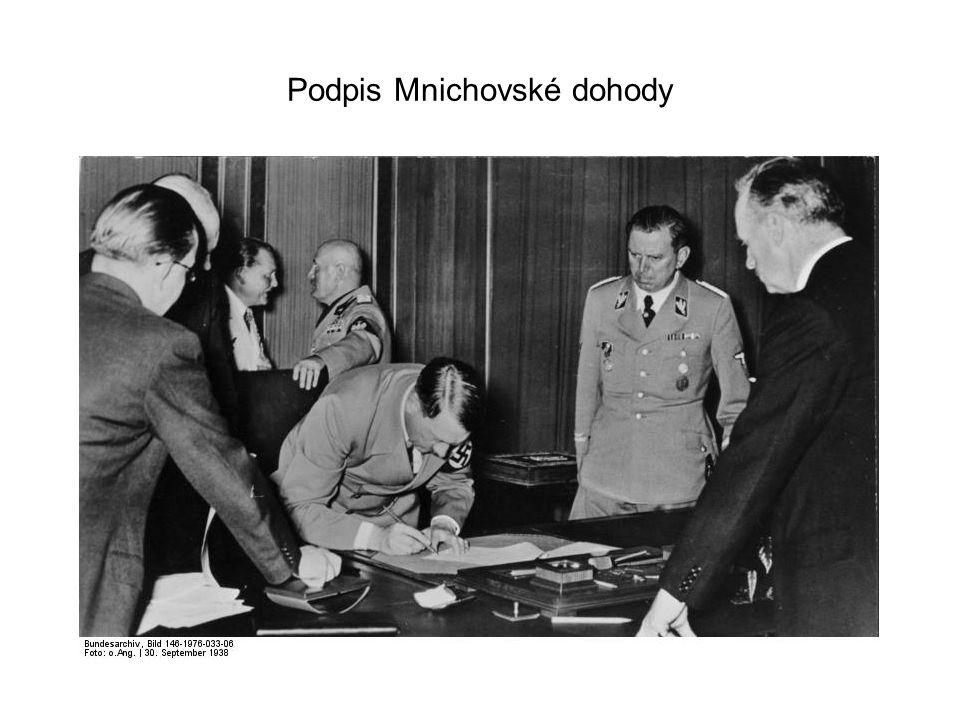 Adolf Hitler se svojí ženou Evou Braunovou