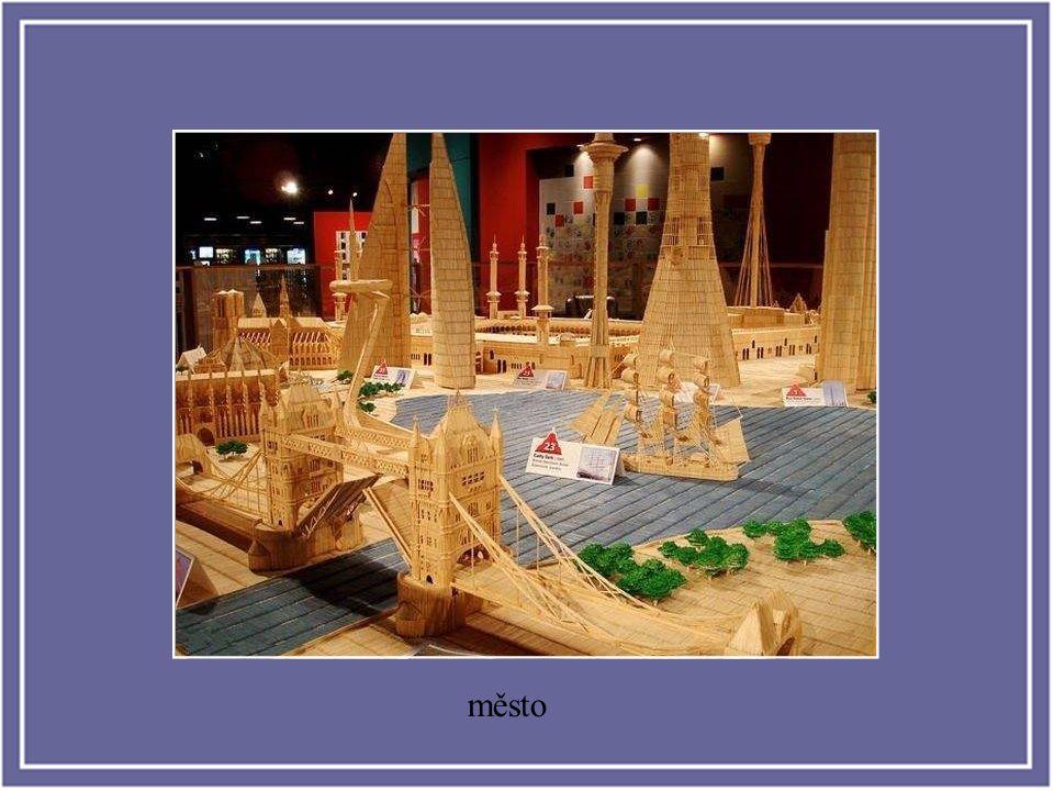 Stan Munro ha pasado los últimos seis años de su vida construyendo una pequeña ciudad de palillos con los edificios y monumentos más emblemáticos del