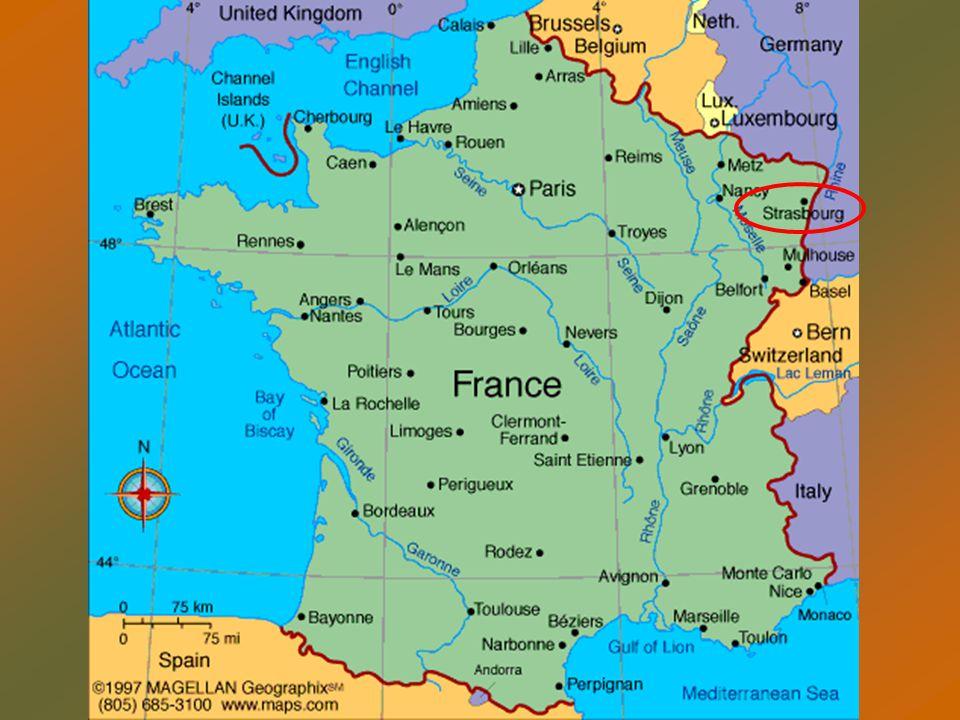 Alsacia se divide administrativamente desde la reforma de 1790 en dos departamentos: el Bajo Rin al norte, con prefectura en Estrasburgo, y el Alto Rin, al sur, con capital en Colmar1790Bajo RinprefecturaEstrasburgoAlto RinColmar Siempre ha sido lugar de litigio entre Francia y Alemania.