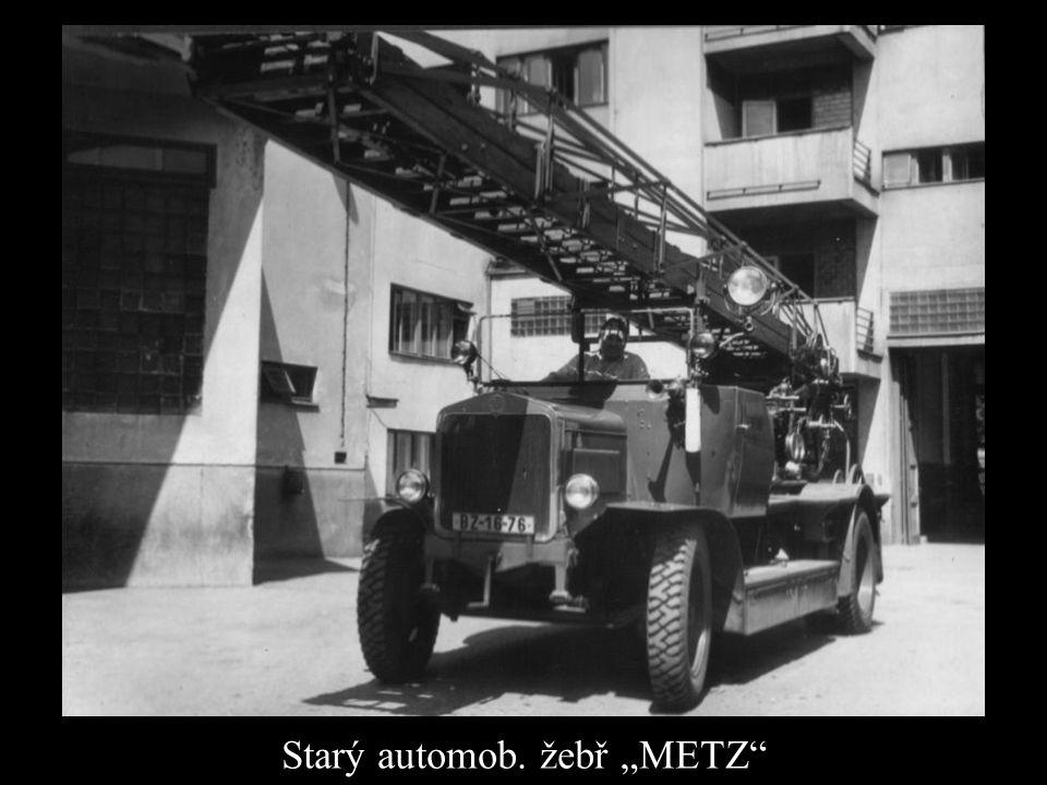 """Starý automob. žebř """"METZ"""""""