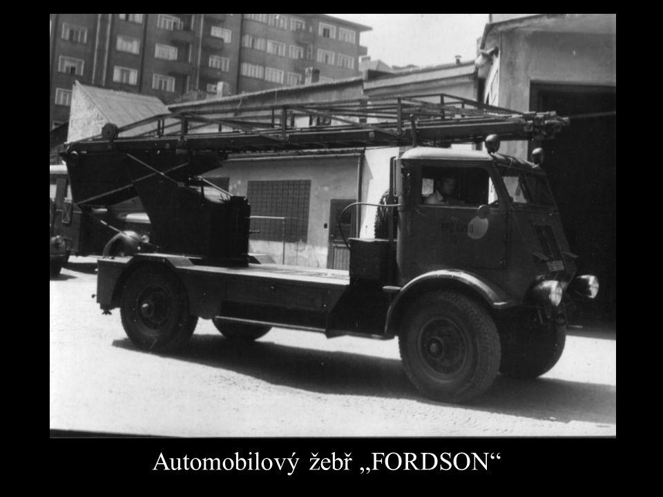"Automobilový žebř ""FORDSON"""