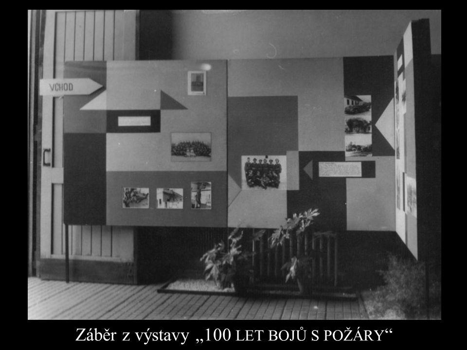 """Záběr z výstavy """"100 LET BOJŮ S POŽÁRY """""""