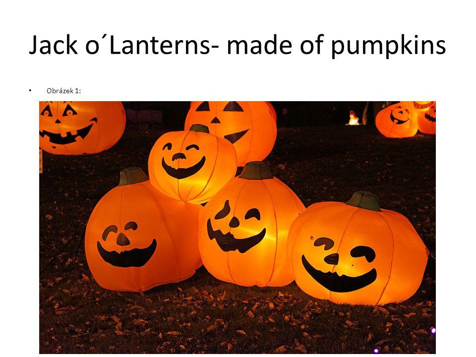 Jack o´Lanterns- made of pumpkins Obrázek 1: