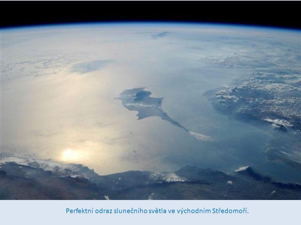 jserm Krásný ostrov v Tichém oceánu 1930 mil na jih od Honolulu,jsem fotografoval pomocí 400mm objektivu.
