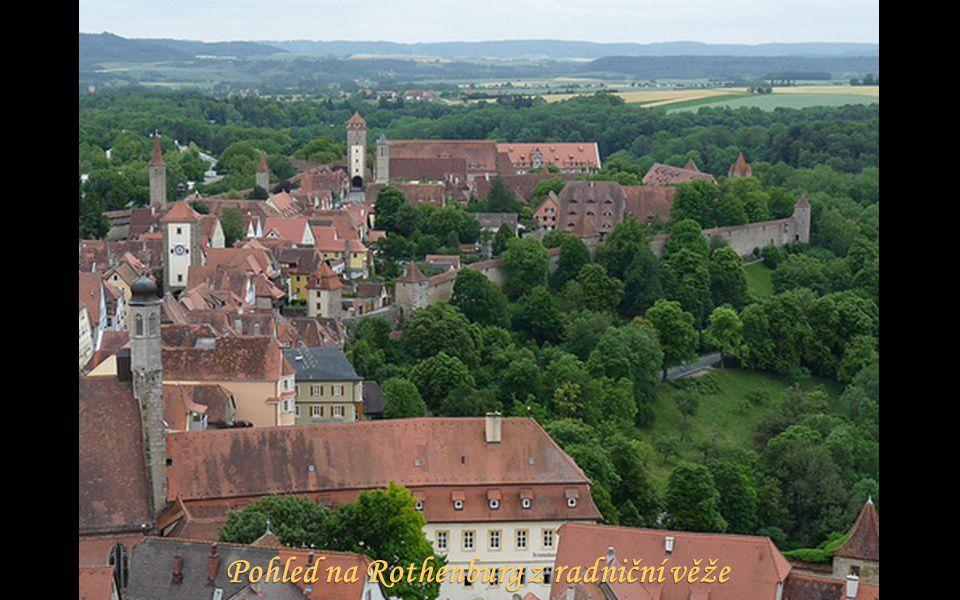 Pohled na Rothenburg z radniční věže