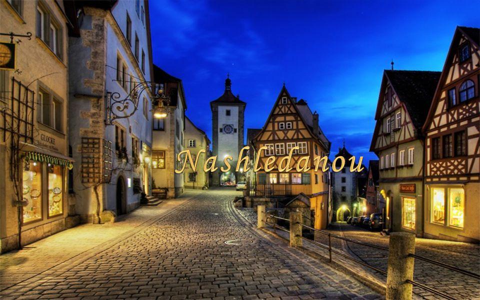 Rothenburg je dokonalou ukázkou středověkého urbanismu s gotickými kostely, kamennými i hrázděnými renesančními domy a celým komplexem opevnění.