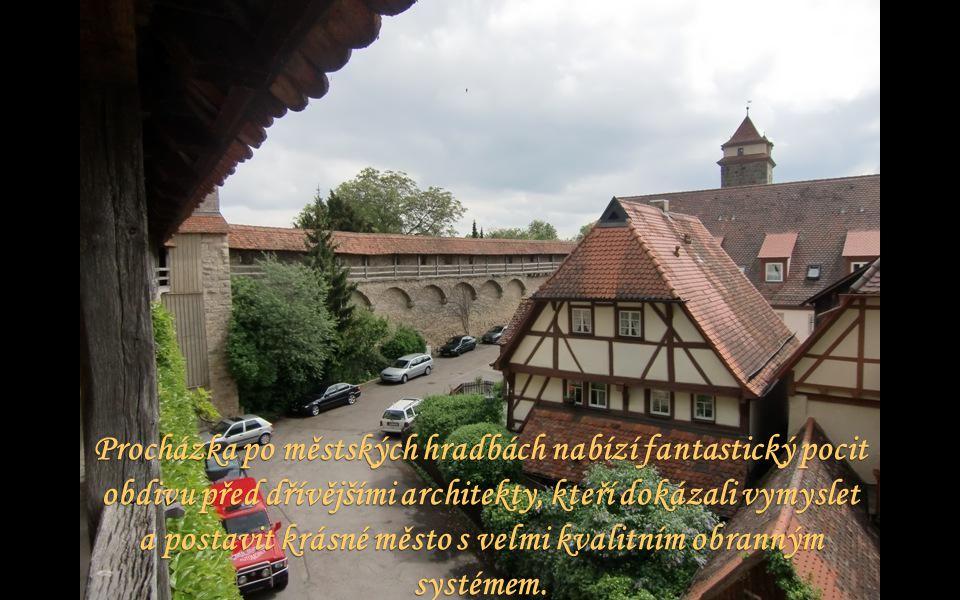 Gotický kostel sv. Jakuba ze 14.-15. století je významnou sakrální stavbou.