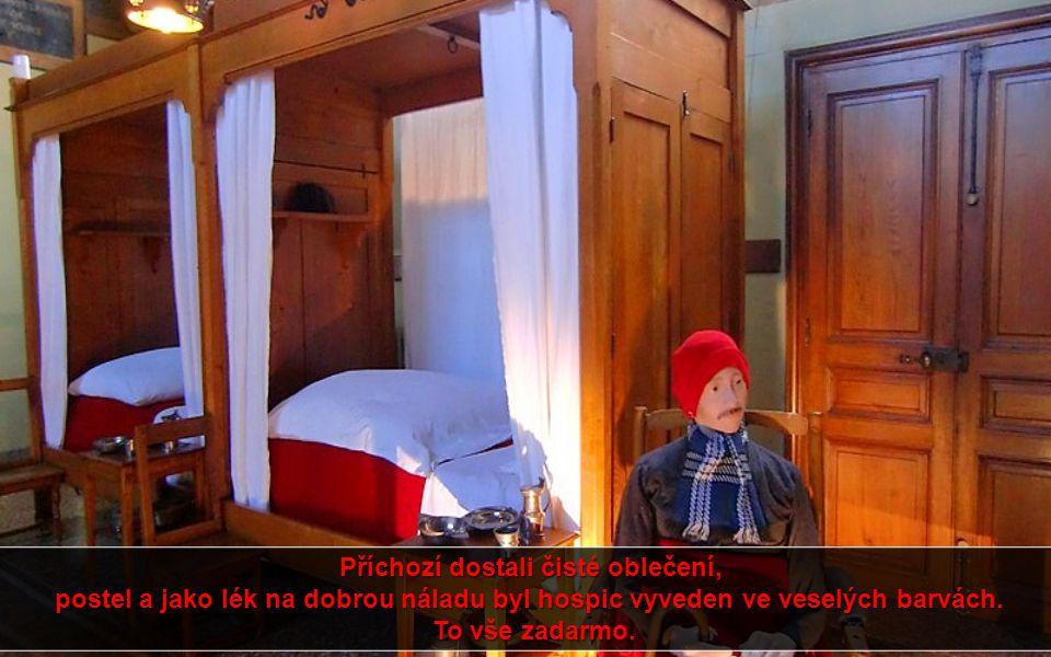Příchozí dostali čisté oblečení, postel a jako lék na dobrou náladu byl hospic vyveden ve veselých barvách.