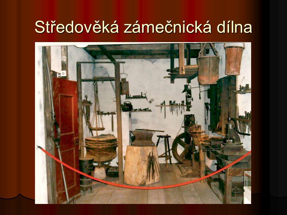 Středověká zámečnická dílna