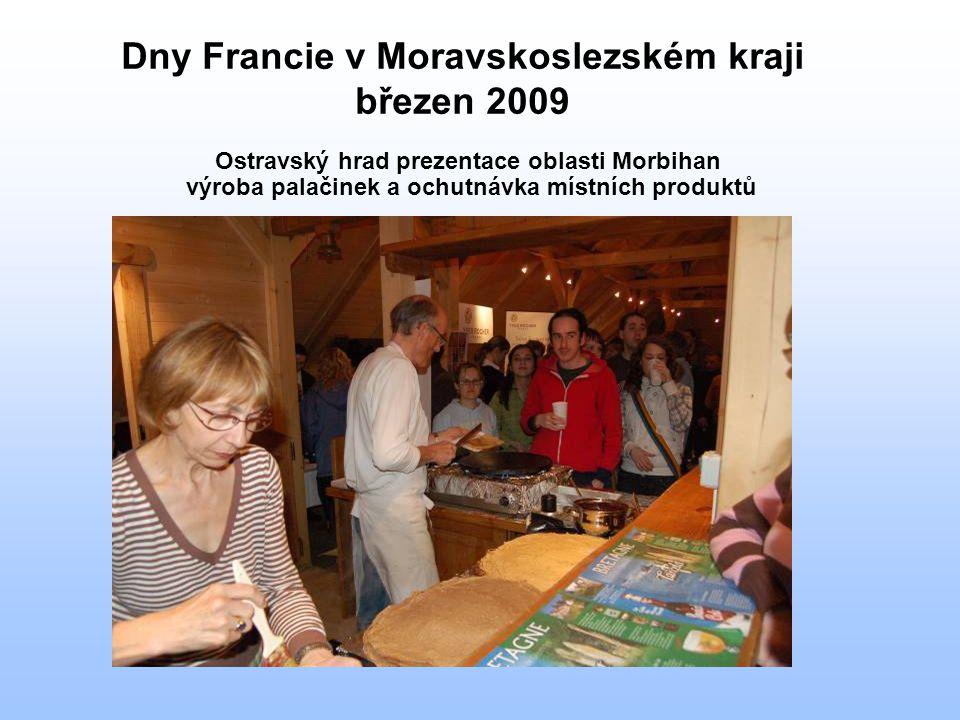Dny Francie v Moravskoslezském kraji březen 2009 Ostravský hrad prezentace oblasti Morbihan výroba palačinek a ochutnávka místních produktů
