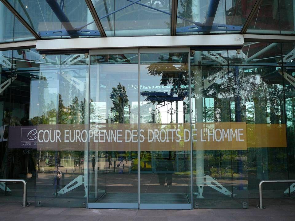 """25  VÝMĚR """"Dobrá víra je duševní postoj charakterizovaný poctivostí a absencí vědomí, že zjevný stav není stavem pravdivým. """"Dobrá víra je duševní postoj charakterizovaný poctivostí a absencí vědomí, že zjevný stav není stavem pravdivým. Návrh společného referenčního rámce Evropského zákoníku soukromého práva, DCFR, (znění k 1."""