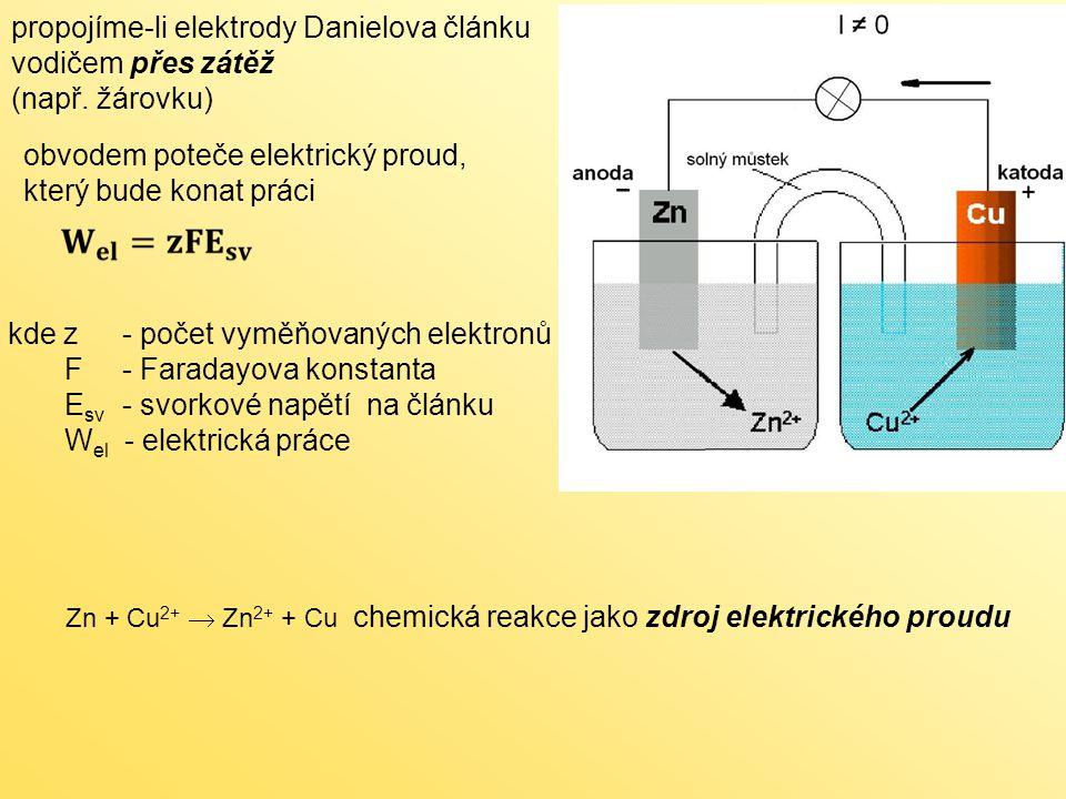 Články na bázi Zn - vzduch (kyslík ) A - separátor (diafragma) B - zinkový prach anody a elektrolyt (KOH) C - kovový kontakt anody D - plastové izolační těsnění E - kovový kontakt katody F - kanálky pro přívod vzduchu G - katalyzátor katody a sběrač proudu H - vrstva rozvádějící vzduch I - polopropustná membrána kladná elektroda: 1/2 O 2 + H 2 O + 2e – → 2OH – záporná elektroda: Zn + 4OH – → Zn(OH) 4 2– + 2e – celková reakce: 2 Zn + O 2 → 2 ZnO napětí jednoho článku: cca 1,4 V teoreticky 1,65 V