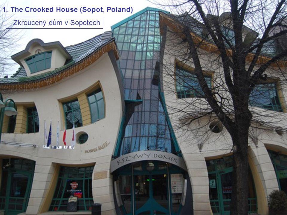 Padesát podivných domů světa