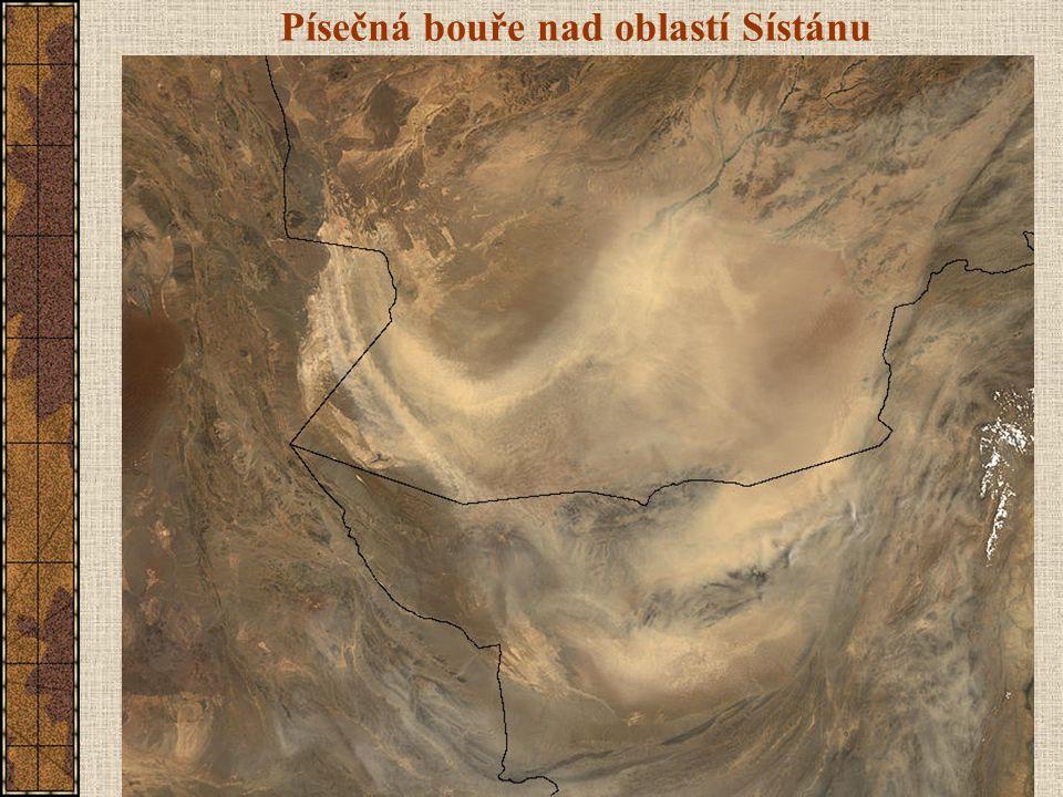 Písečná bouře nad oblastí Sístánu