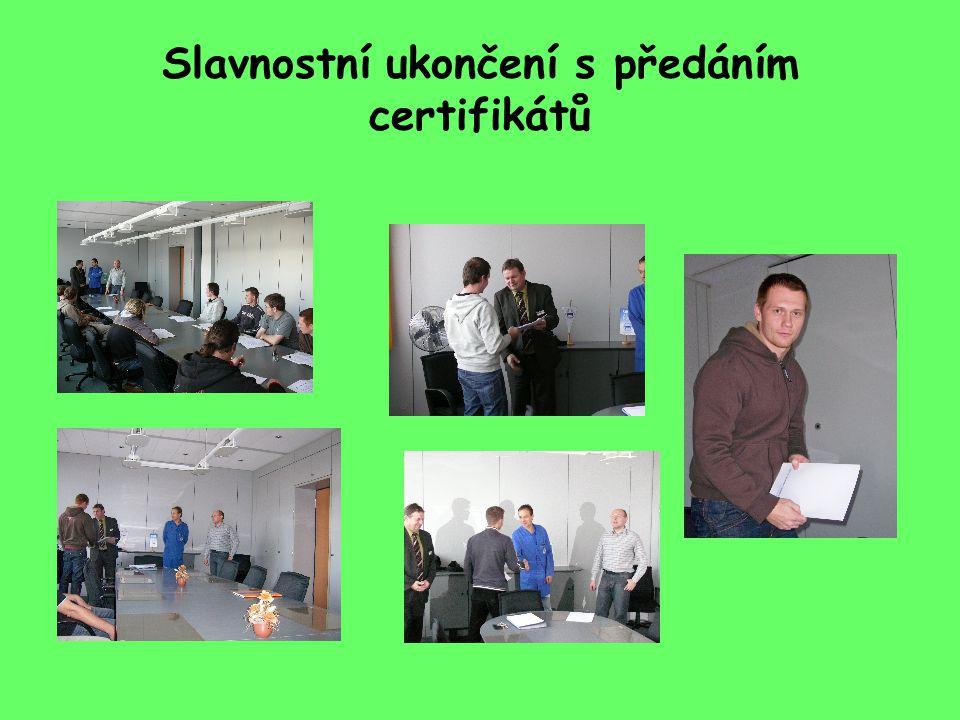 Slavnostní ukončení s předáním certifikátů