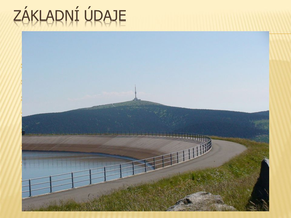  horní nádrž je izolována 18cm vrstvou přírodního asfaltu  asfalt je dovezen z Albánie  je potřeba materiál, který bez poškození vydrží rozsah teplot od −30 do +60 °C