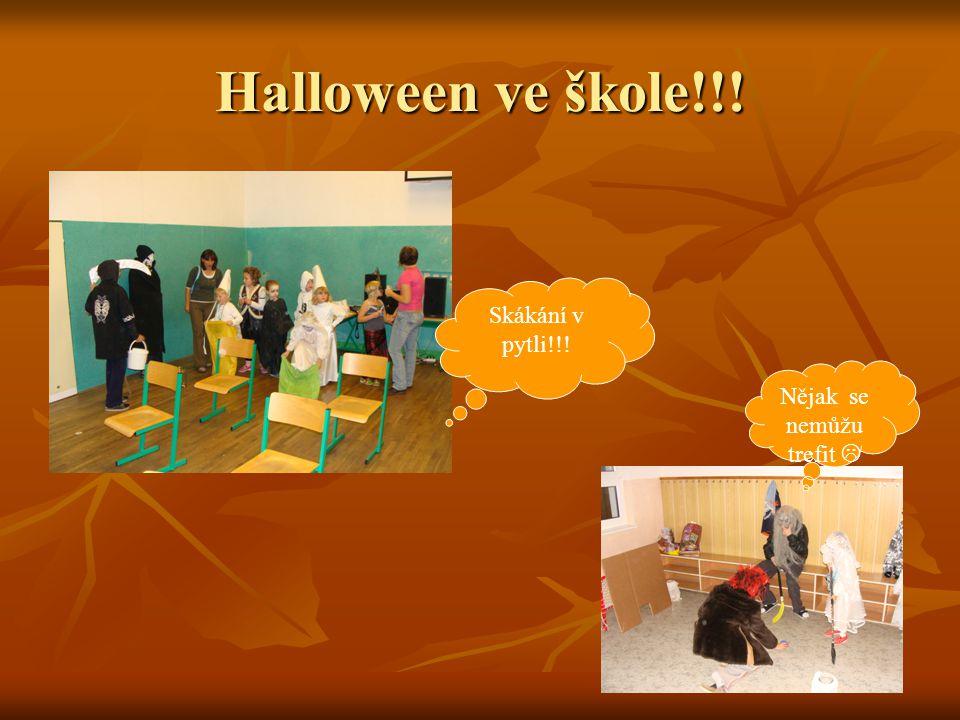 Halloween ve škole!!! Skákání v pytli!!! Nějak se nemůžu trefit 