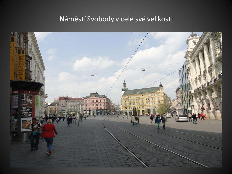 pohled z České ulice na náměstí Svobody