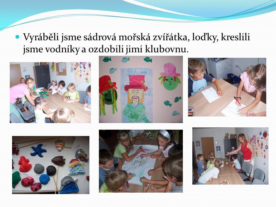 Vyráběli jsme sádrová mořská zvířátka, loďky, kreslili jsme vodníky a ozdobili jimi klubovnu.