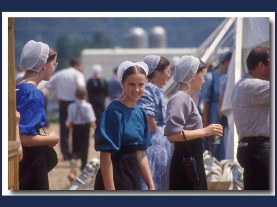 Dodnes se v jejich životě nezměnilo téměř nic. Všichni členové komunity mají biblické jméno. Muži nosí dlouhé vousy. Oblékají se hojně do hrubé, vlněn