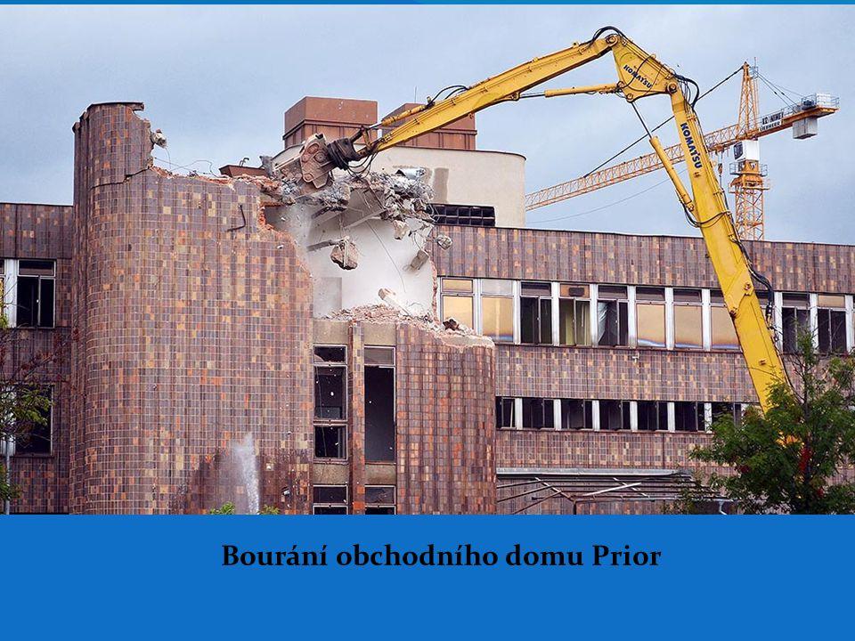 Bourání obchodního domu Prior