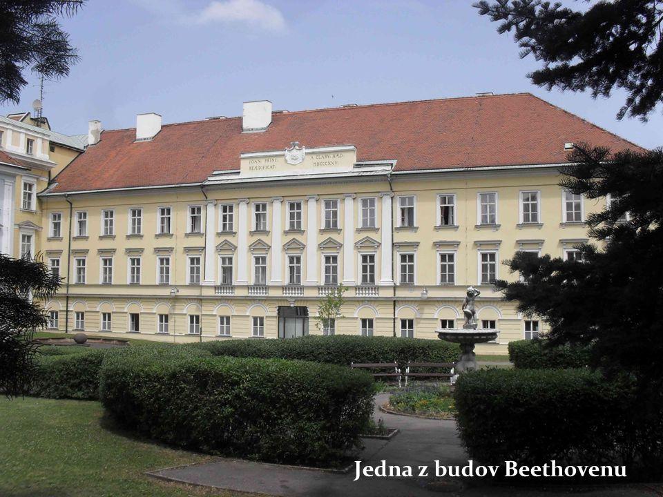 Jedna z budov Beethovenu