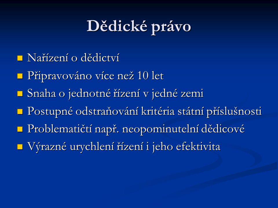 Trestní právo do Lisabonu Oblast nejasných kontur Oblast nejasných kontur Značná role ESD při výkladu Značná role ESD při výkladu Rozsudek Maria Pupino – přímý účinek rámcových rozhodnutí – ESD kritizován za aktivismus Rozsudek Maria Pupino – přímý účinek rámcových rozhodnutí – ESD kritizován za aktivismus Rozsudek soudního dvora 176/03 – trestněprávní ochrana životního prostředí Rozsudek soudního dvora 176/03 – trestněprávní ochrana životního prostředí Rozsudek 440/05 – limituje rozsah harmonizace Rozsudek 440/05 – limituje rozsah harmonizace