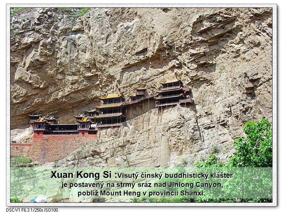 Hlavní důvod proč je klášter vybudován na útesu, spočívá v ochraně před povodní.