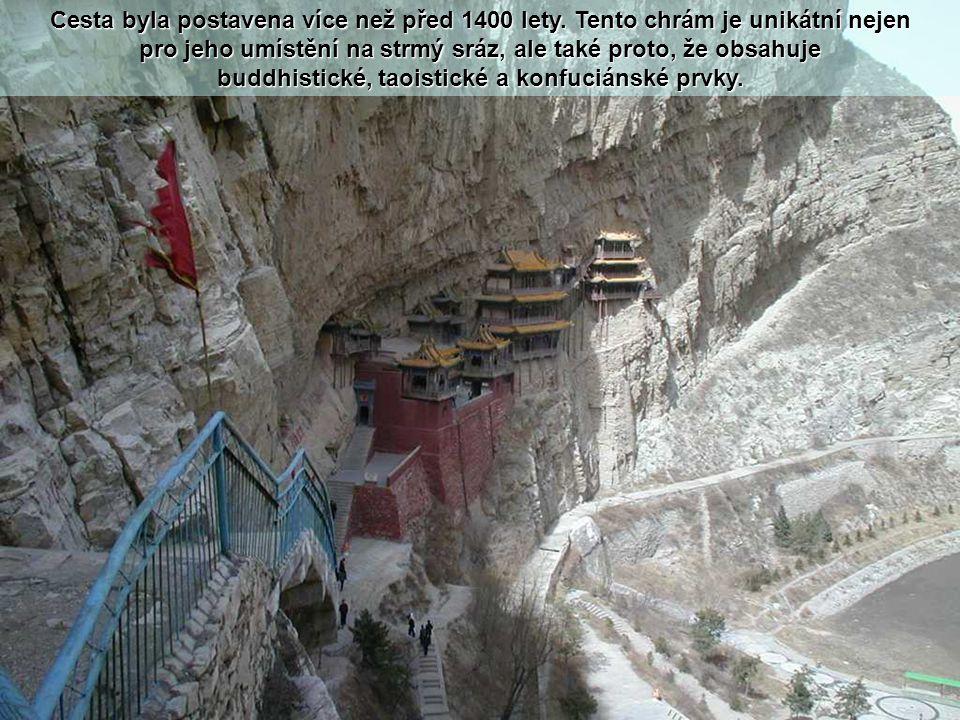 Spolu s jeskyněmi Yungang, je visutá cesta jednou z hlavních turistických atrakcí a historických míst v oblasti Datong.