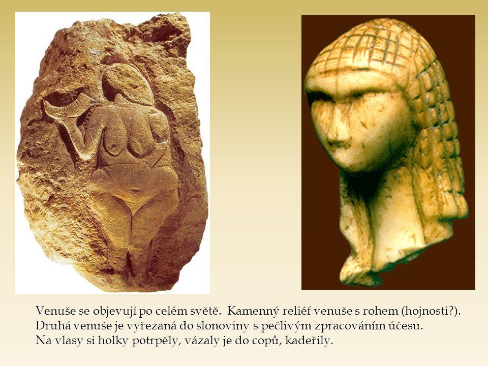 Venuše se objevují po celém světě.Kamenný reliéf venuše s rohem (hojnosti?).