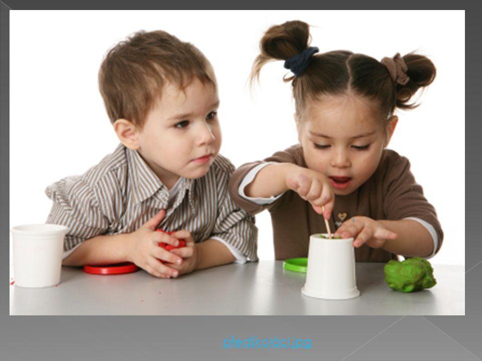  3 – 6 (7) let  Dítě roste, přibývá na váze  Má plný mléčný chrup  Učí se nové věci: › Poznává barvy, tvary, členy rodiny › Mluví ve větách, vyprá