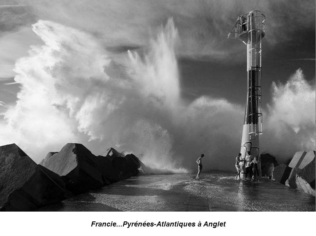 Francie...Pyrénées-Atlantiques à Biarritz