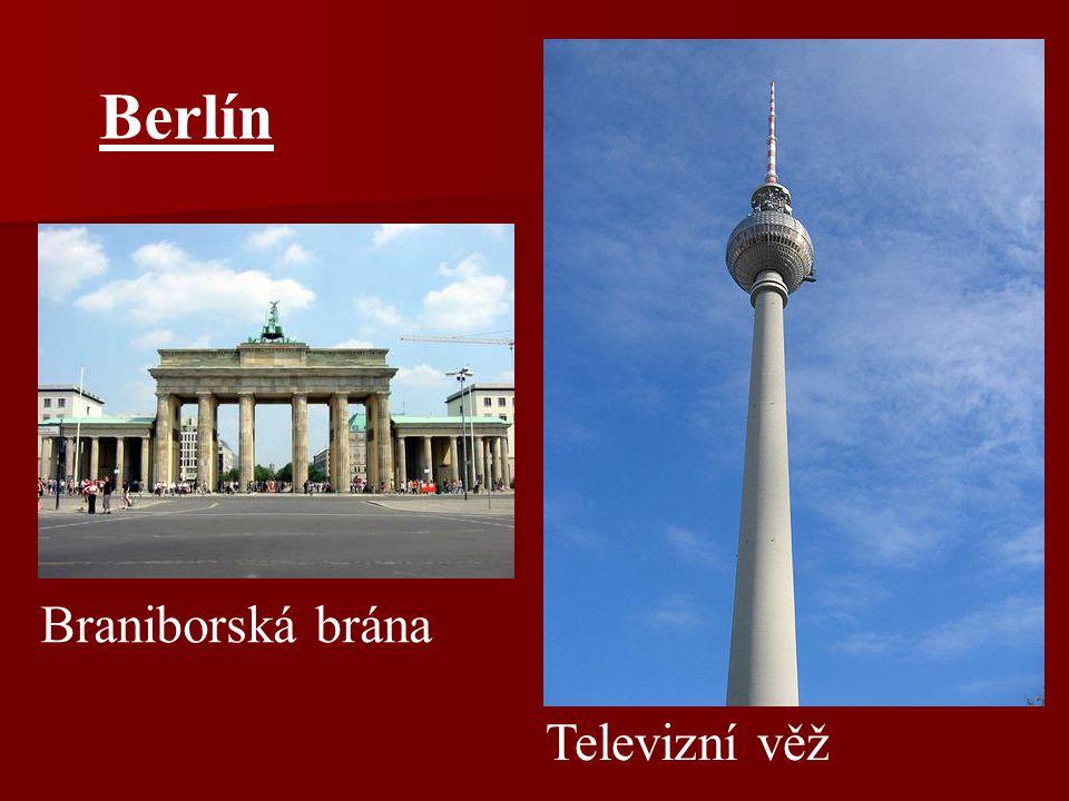 Berlín Braniborská brána Televizní věž