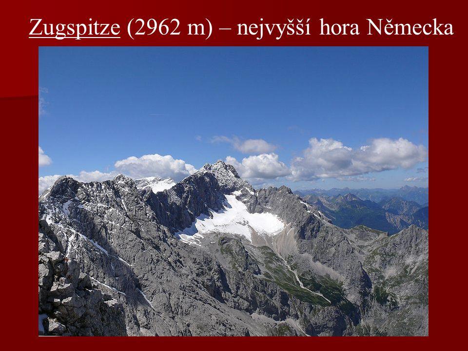Zugspitze (2962 m) – nejvyšší hora Německa