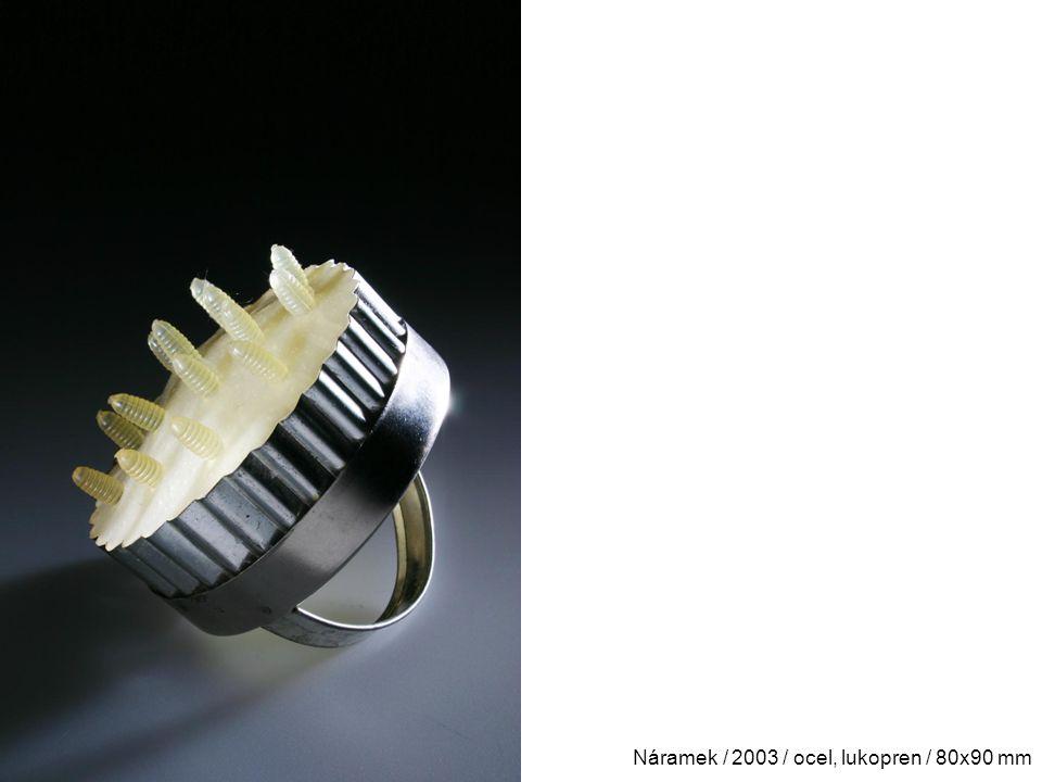Náramek / 2003 / ocel, lukopren / 80x90 mm
