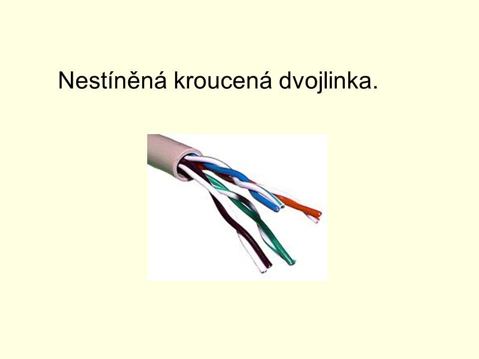 Kroucená dvoulinka Kroucená dvojlinka (Twisted-Pair-Cable) je původně odvozena od telefonního kabelu a je dnes nejrozšířenějším vedením v sítích LAN.