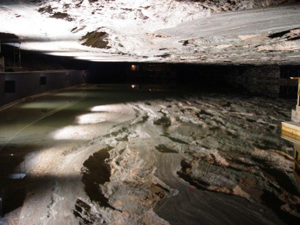 Podzemní jezero