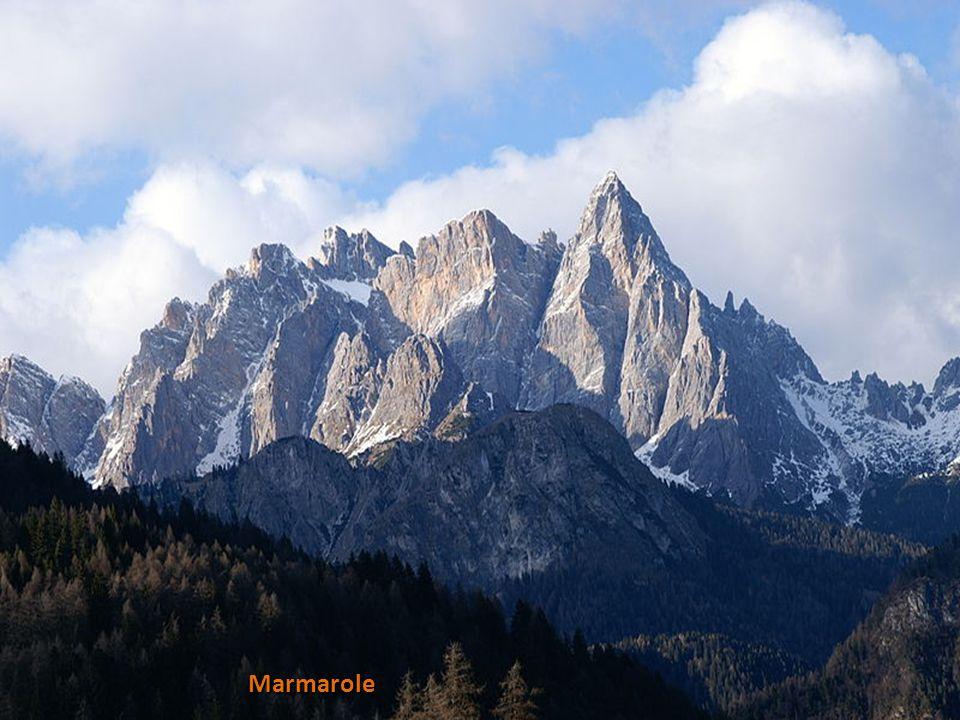Marmolada 3343m, nejvyšší hora Dolomit