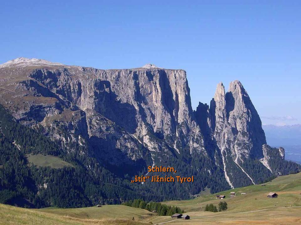 """Schlern mit Weiher Schlern, """"štít Jižních Tyrol"""