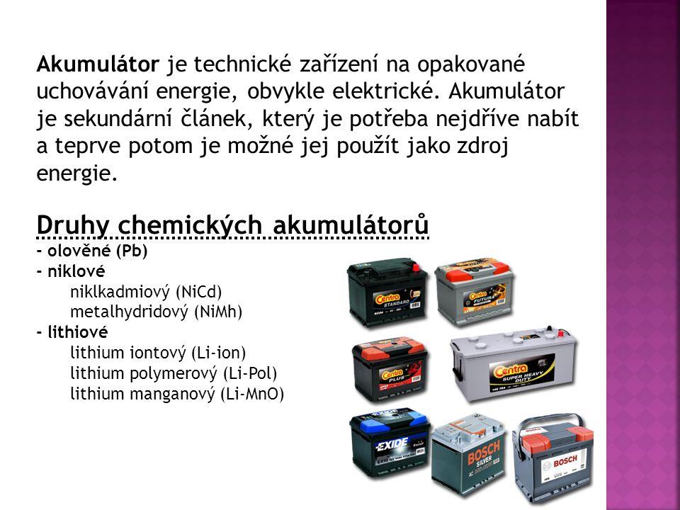 Nikl-kadmiové akumulátory (NiCd) Nevýhody Dražší Nižší napětí článků, zároveň velký rozdíl mezi nabíjecím napětím a konečným vybíjecím napětím Nelze zjišťovat stupeň nabití měřením hustoty elektrolytu Při provozu dochází k znehodnocování elektrolytu (KOH) působením vzdušného CO 2 za vzniku uhličitanu draselného, který snižuje kapacitu a zvyšuje vnitřní odpor článku.
