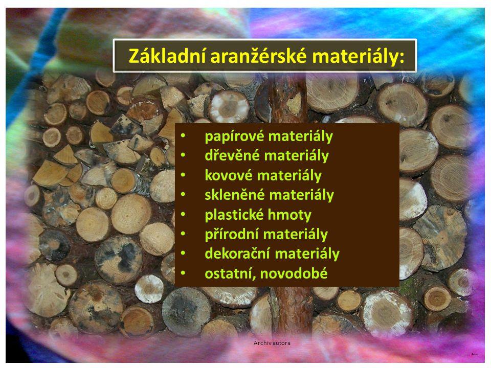 ©c.zuk D ř evo Dřevo je tradiční aranžérský materiál.