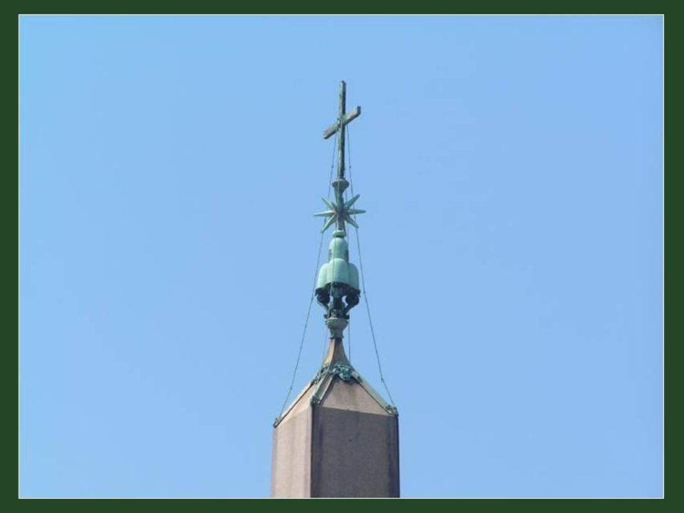 Pamětní deska na obelisku