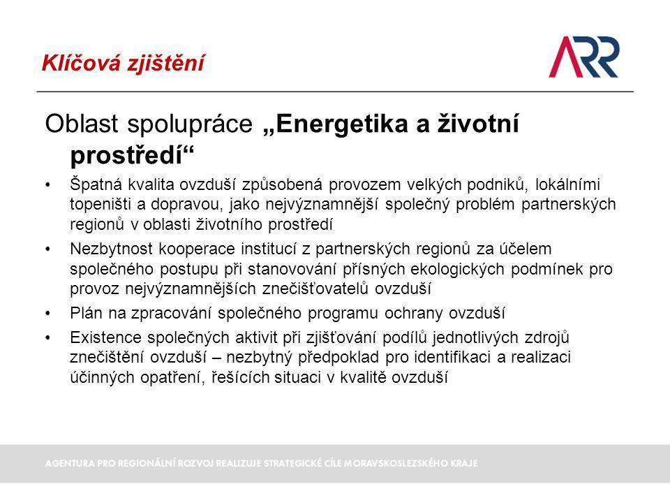 """Klíčová zjištění Oblast spolupráce """"Cestovní ruch Zkušenosti čtyř euroregionů při realizaci aktivit podpory cestovního ruchu v česko-polském příhraničí Navázaná partnerství a neformální vazby institucí, zejména na lokální a subregionální úrovni Potenciál pro společné projekty rozvoje infrastruktury cestovního ruchu spojené s rozvojem turistických stezek a tras, cyklistických stezek a tras, hipostezek a hipotras (například Oderská cyklostezka, Oderská vodní stezka, Jantarová stezka), doprovodné infrastruktury a dalšího vybavení pro volnočasové aktivity Potenciál pro společné marketingové aktivity v oblasti cestovního ruchu Široká nabídka atraktivit pro návštěvníky regionu – příroda, kulturní, historické a technické památky Nedostatečná návaznost veřejné dopravy na obou stranách hranice – překážka pro rozvoj cestovního ruchu v příhraničních oblastech"""